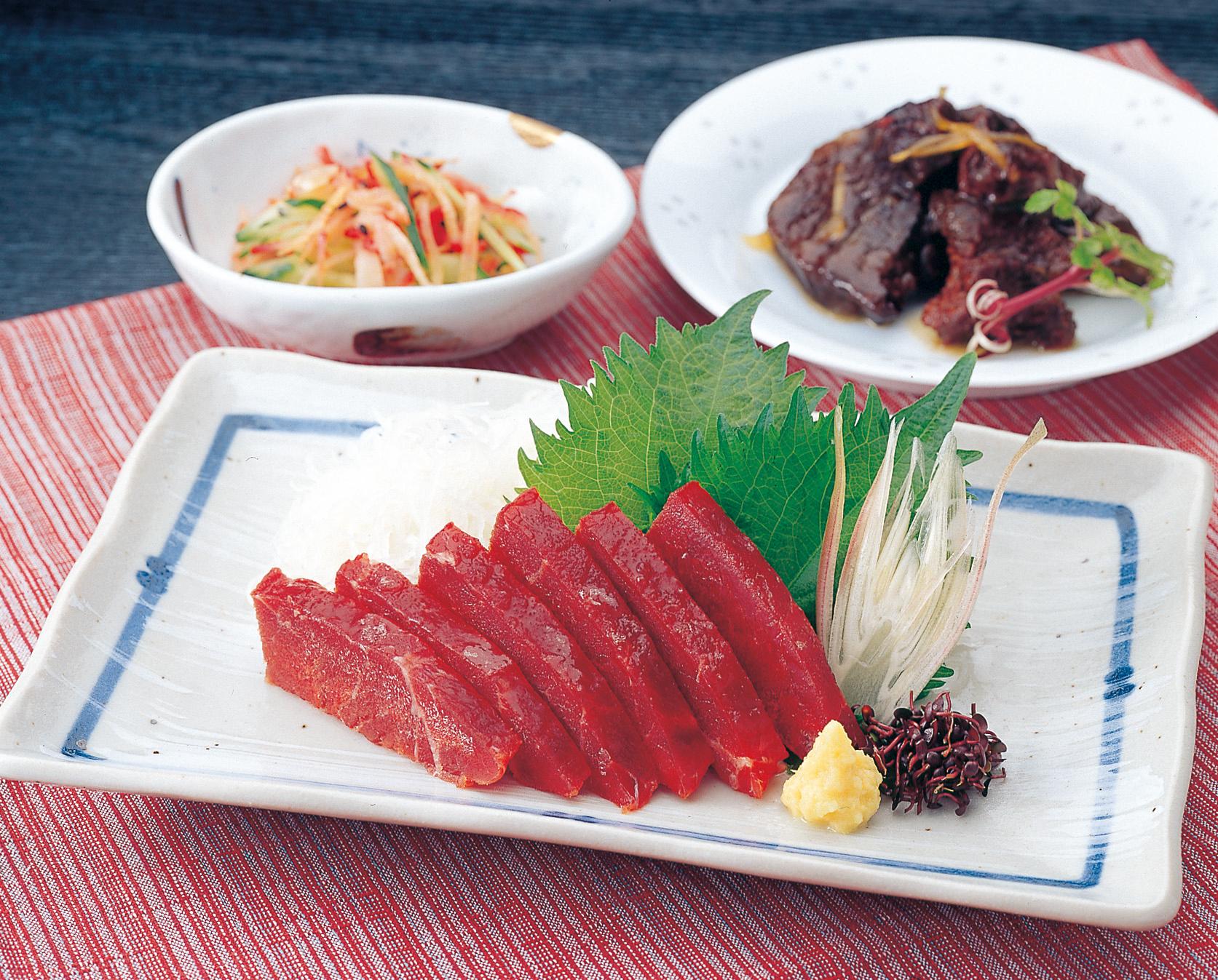 No.020094 鯨料理