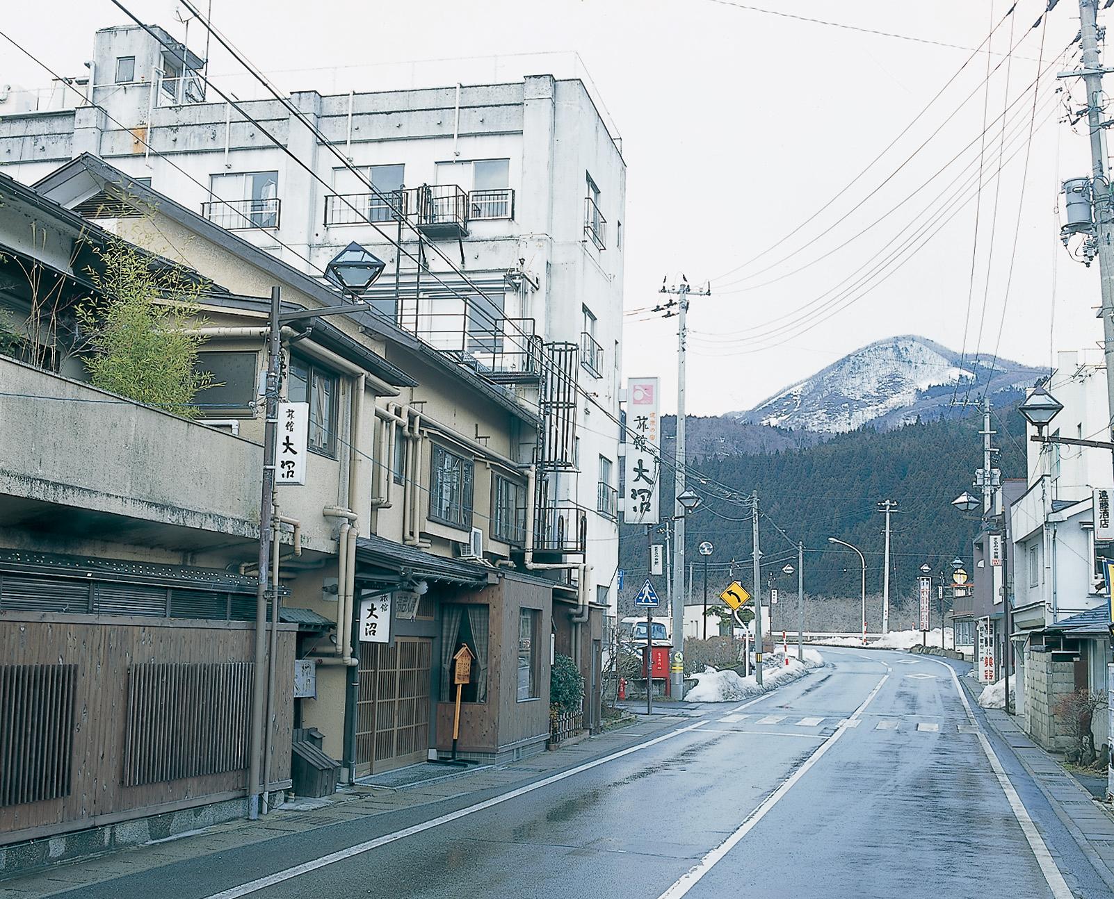 No.130140 東鳴子温泉街