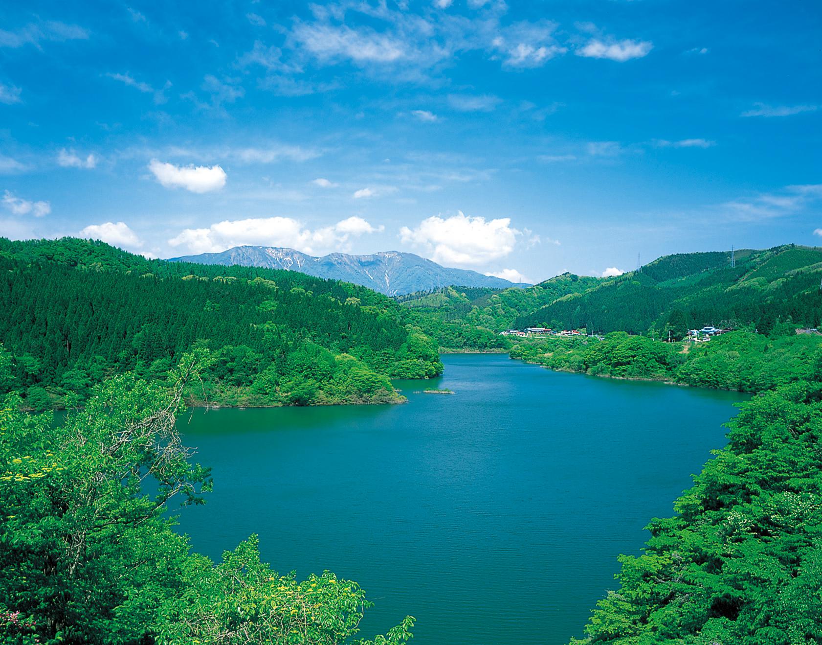 No.130096 鳴子ダム(荒雄湖)と禿岳